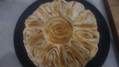 fiore di pasta brioche fiore di pasta brioche salati con ripieno di cotto e