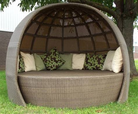 garden  patio furniture raised patio retaining wall