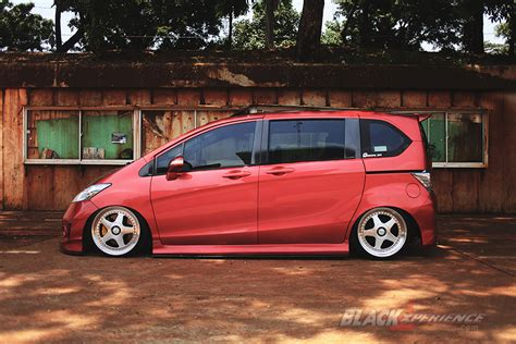 Bumper List Warnasoftshell Black Carbon modifikasi honda freed bosan jdm