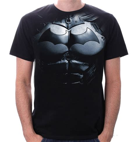 Tshirt Batman Exclusif batman t shirt armor for only 163 18 50 at merchandisingplaza uk