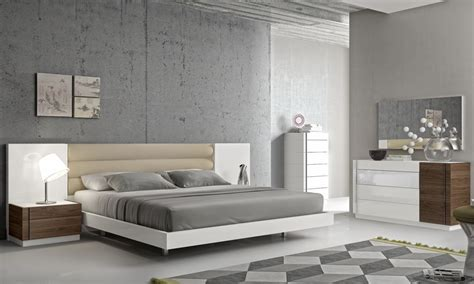 Designer Bedroom Furniture Fashionable Leather Modern Design Bed Set With Panels Detroit Michigan J M Furniture Lisbon