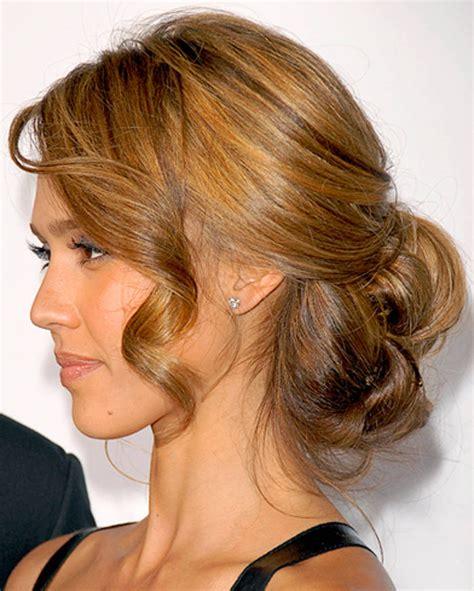 bridesmaid hairstyles jessica alba comment faire un chignon glam pour le soir cristina cordula