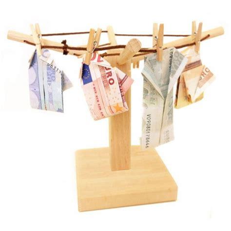 braut aus geldscheinen falten geld w 228 schespinne geldscheine falten zu weihnachten zur