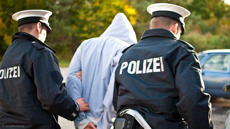 Bewerben Bei Der Polizei Rheinland Pfalz Innere Sicherheit Anh 228 Ufung 220 Berstunden Bei Der