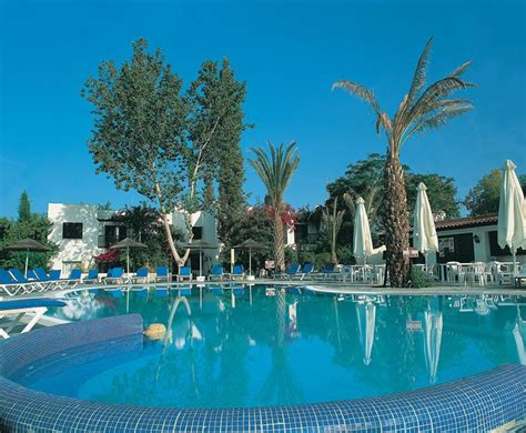 appartments in cyprus paphos gardens tourist apartments cyprus