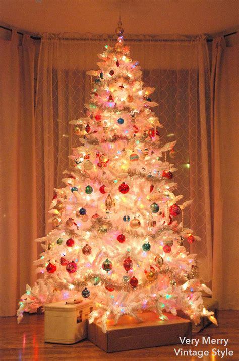 very merry vintage syle o white christmas tree o