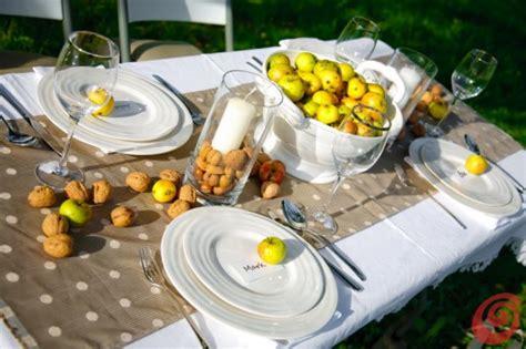 apparecchiare tavola autunnale idee per apparecchiare la tavola autunnale le mele casa