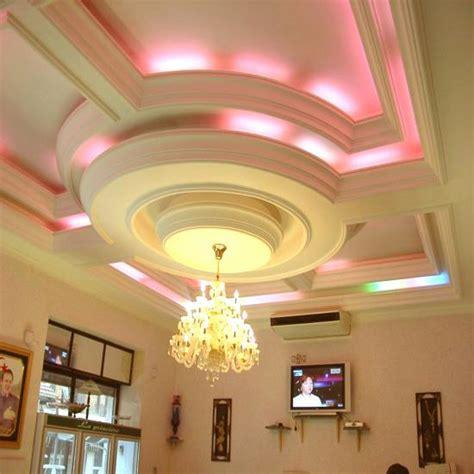 faux plafond deco dcoration de plafond en platre trendy maisons plafond