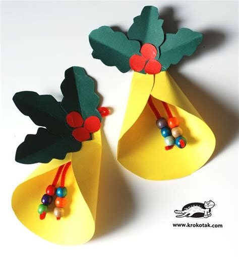 an diy easy bell and paper wreath navidad manualidades