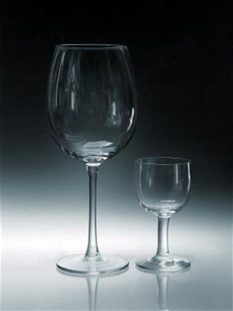 tipi di bicchieri tipi di bicchieri di vino condividilo afpilot