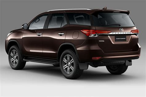 new toyota fortuner launched at rs 25 92 lakh will