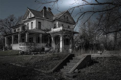 scariest haunted house in america inside america s most haunted houses 9homes