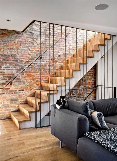 Pared Ladrillo Visto #6: Brique-rouge-escalier-industriel-et-parement-mural-briques.jpg