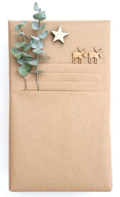 How To Fold Gift Tissue Paper - kraft paper giftwrap ideas create a fold below wrapping