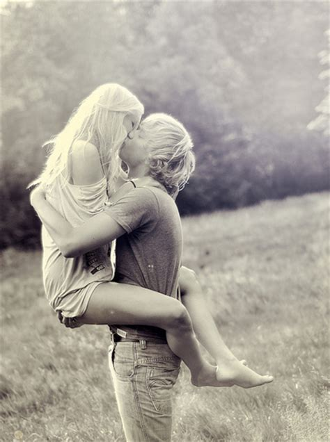 images of love kiss couple black and white couple cute field hug kiss image