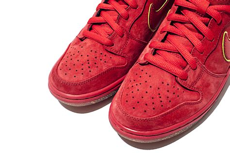nike sb high new year get lucky with the nike sb dunk high quot new year