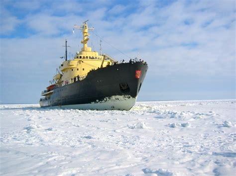 sinking boat icebreaker icebreaker gulf of bothnia mer de glace free stock photos