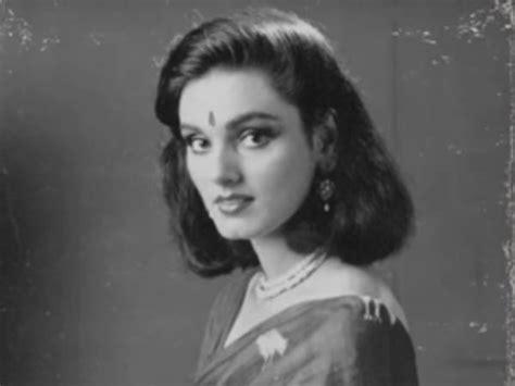 biography of movie neerja neerja movie review by audience live viewers bowled