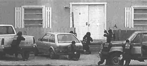 Fbi At Door by David Koresh Attack Murderpedia The