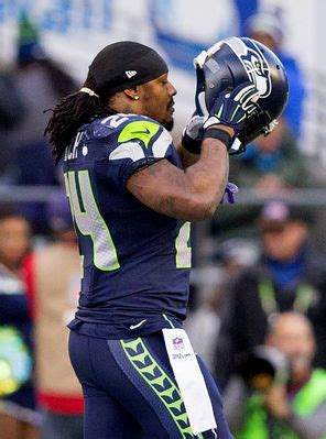 marshawn lynch bench press marshawn lynch has another eventful game vs cardinals