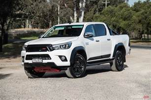 Toyota Hilux 2017 Toyota Hilux Trd Review Performancedrive