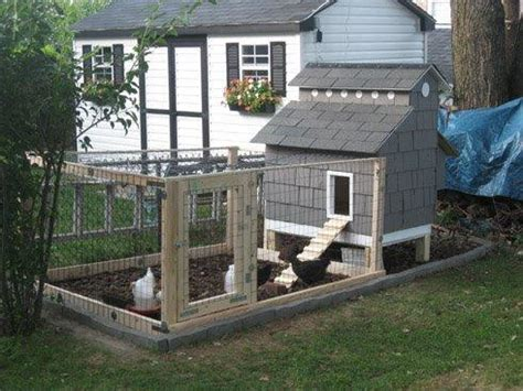 cape cod chicken coop chicken coop backyard chickens