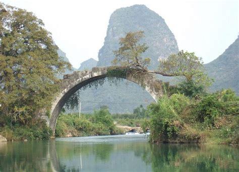 yulong river yangshuo yulong river bamboo rafting cruise
