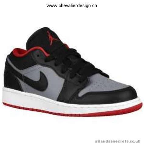 best school basketball shoes carries aj1 low boys grade school basketball shoes