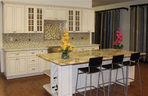 white maple kitchen cabinets antique white maple glazed kitchen cabinets