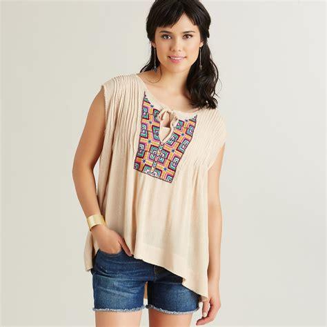 49383 Blouse Xl beige embroidered top world market
