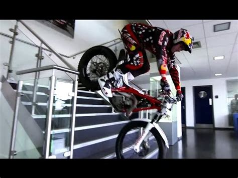 Trial Motorrad Red Bull by Trial Bike Stunts Through Red Bull Factory Dougie