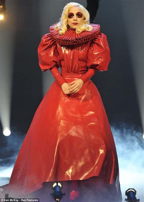 lady gaga red dress gt lady gaga red dress wallpapersskin