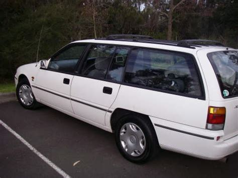 wollongong holden 1997 used holden commodore acclaim 2 wagon car sales