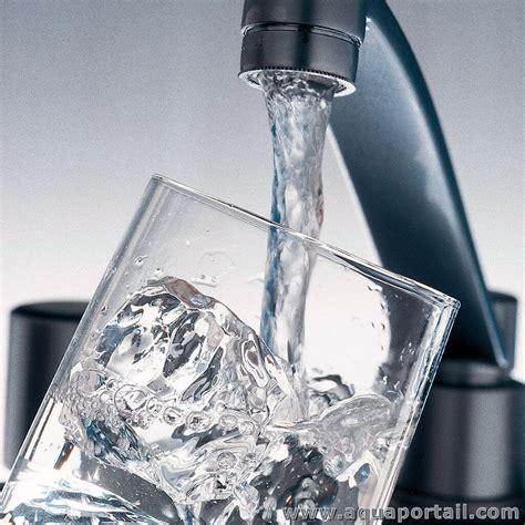 eau du robinet d 233 finition