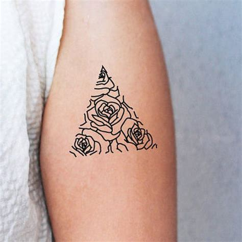 minimalist geometric tattoos best 25 minimalist tattoos ideas on minimal
