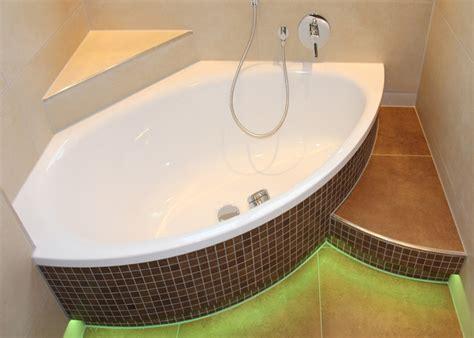 badewanne mosaik badezimmer mit mosaiken
