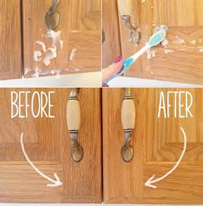 Homemade Kitchen Cabinets diy 2 ingredient homemade kitchen cabinet gunk remover www fabartdiy