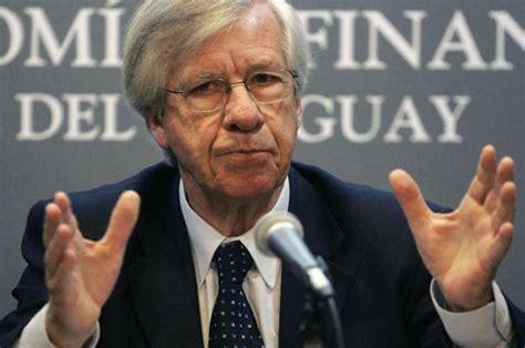 negocian aumento para los jubilados noticias uruguay y astori y los 200 de aumento