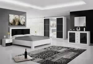 armoire design 3 portes coulissantes blanche et