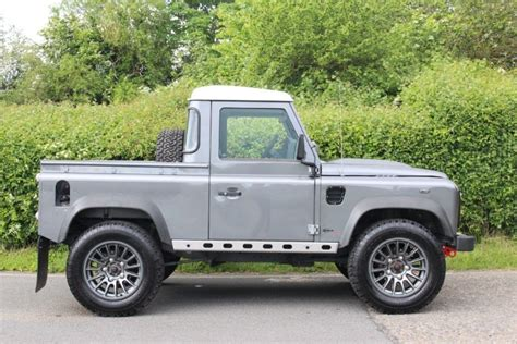 land rover defender 90 td up quirks car company