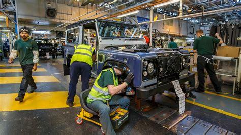 Wie Viele Warnwesten Muss Man Im Auto Haben by Bis Zum Jahresende Nach Solihull Defender Produktion Wird