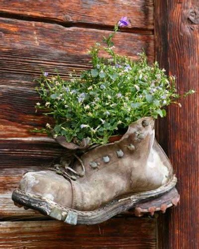Shoe Planters Recyle Your Old Footwear In To Garden Boot Planter