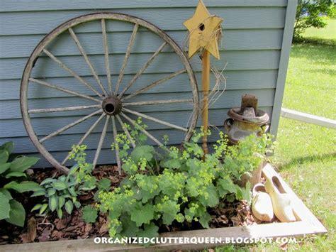 Wagon Wheel Decor Garden Best 25 Wagon Wheel Garden Ideas On Pinterest Wagon Wheel Wagon Wheel Decor And Wagon Wheels