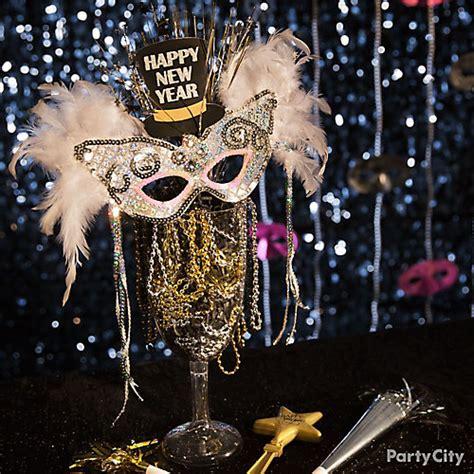 masquerade mask centerpiece ideas nye masquerade centerpiece idea city