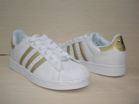how to tell if adidas shoes are
