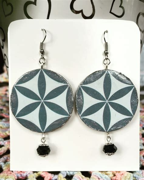 upcycling jewelry 1000 images about where is the trash on arts