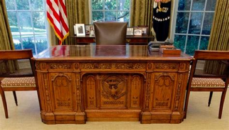 presidential desk in oval office the story of the white house potus desk