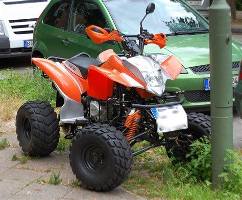 Quad Motorrad Hersteller by Ein Sportliches Quad Vom Chinesischen Hersteller Shineray