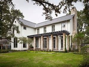 farmhouse architectural style a texan farmhouse style home gets infused with casual elegance