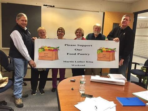 annual bag the community food drive this weekend to